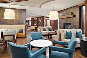 The lounge or bar area at Fort Collins Marriott
