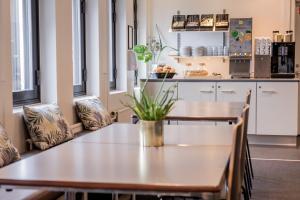 A kitchen or kitchenette at Zleep Hotel Ishøj