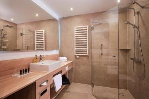 A bathroom at Hyperion Hotel Berlin