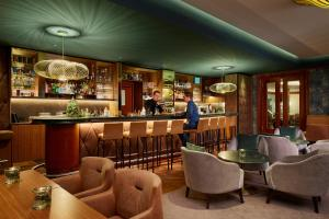 The lounge or bar area at Hyperion Hotel Berlin