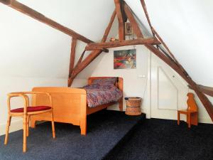 A bed or beds in a room at Large Historical Apartment & Canal Terrace
