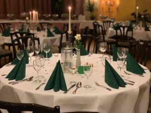Ein Restaurant oder anderes Speiselokal in der Unterkunft Sohre