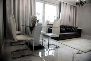 A seating area at Glamour Apartments