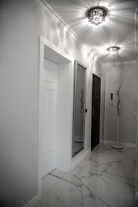 A bathroom at Glamour Apartments