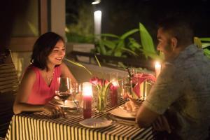 Mount Havana Luxury Boutique Villaにあるレストランまたは飲食店