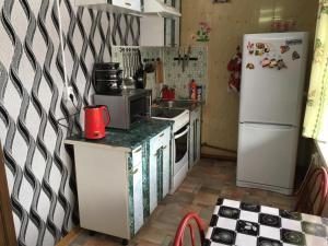 A kitchen or kitchenette at Домик у Байкала комсомольская 12A
