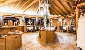 Ресторан / где поесть в Garni Hotel Mirabel