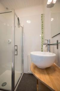 Salle de bains dans l'établissement Hotel de Paris
