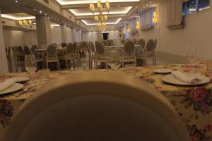 Un restaurante o sitio para comer en Hotel Reyes Ziries