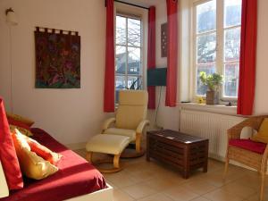 Een zitgedeelte bij Dar Cho Apartment