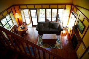 Ein Sitzbereich in der Unterkunft Middle Beach Lodge