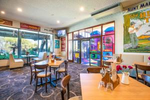 A restaurant or other place to eat at Nightcap at Wanneroo Tavern
