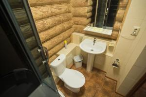A bathroom at Svetliy Terem Hotel
