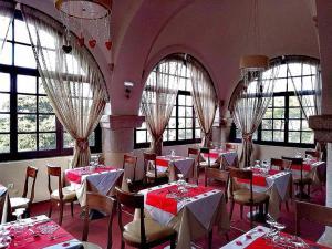 Ресторант или друго място за хранене в Elafos Hotel