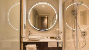 A bathroom at Sloane Place
