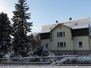 Ferienwohnung Zur Herberge during the winter