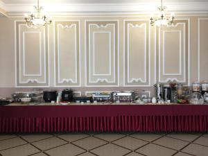 Ресторан / где поесть в Гостиничный комплекс Версаль