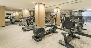 The fitness center and/or fitness facilities at Ilunion Málaga