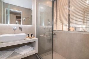 A bathroom at Venus Hotel