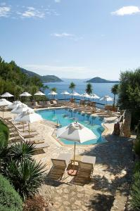 A view of the pool at Il Pellicano or nearby