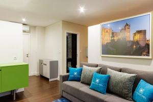 Een zitgedeelte bij Porto Old Town – Tourism Apartments