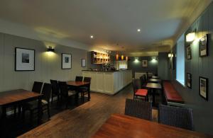 مطعم أو مكان آخر لتناول الطعام في St Clair Hotel