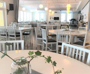 En restaurang eller annat matställe på Storstrand Kursgård