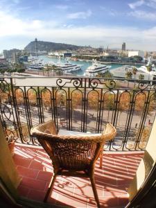 A balcony or terrace at Barceloneta Ramblas Apartments