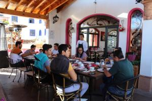 A restaurant or other place to eat at Boutique Pueblo Lindo