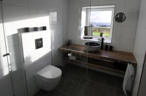 Et bad på Huset på Skåltofta, Nyksund