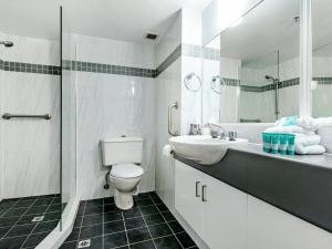 A bathroom at Victoria Square Apartments Broadbeach - Level 4