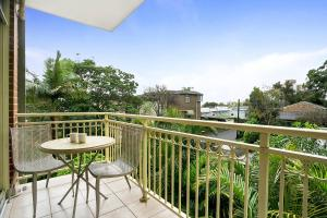 A balcony or terrace at One Bedroom Apartment Gerard Street (GER29)