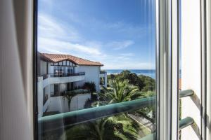 ホテルから撮影された、または一般的な海の景色