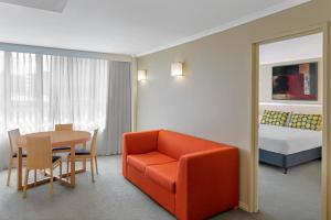A seating area at Travelodge Hotel Newcastle