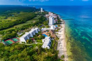A bird's-eye view of Melia Cozumel Golf All Inclusive