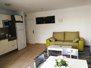 A seating area at Huella Canaria