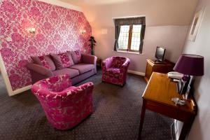 A seating area at The Pear Tree Inn & Country Hotel