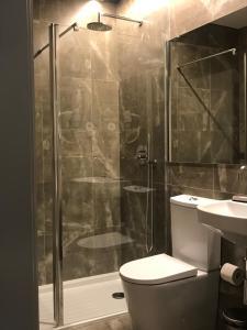 A bathroom at Welcome inn Viseu
