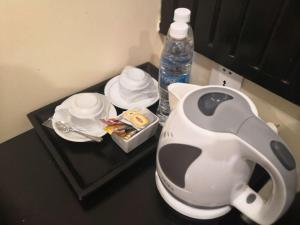 Coffee and tea-making facilities at Salita Hotel