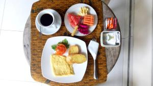 Breakfast options available to guests at Umah Dajane Guest House