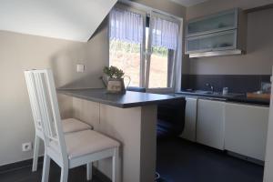 A kitchen or kitchenette at Villa Giova