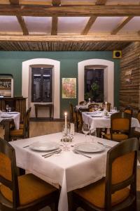 Un restaurant sau alt loc unde se poate mânca la Castle Hotel Daniel