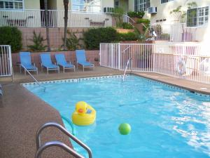 The swimming pool at or close to Magic Castle Hotel