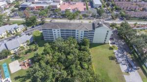 A bird's-eye view of Barefoot Suite by Capital Vacations