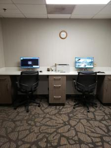 The business area and/or conference room at Wingate by Wyndham Greenville Airport