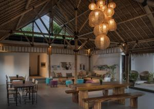 A restaurant or other place to eat at Jago Gili Air