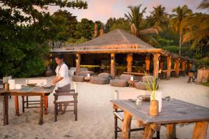 A restaurant or other place to eat at Song Saa Private Island