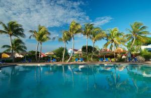 A piscina localizada em Livingstone Jan Thiel Resort ou nos arredores