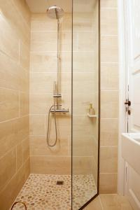 Salle de bains dans l'établissement Old Town Luxury Suites 'Lady'