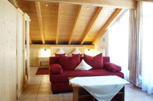 A seating area at Landhotel Guglhupf